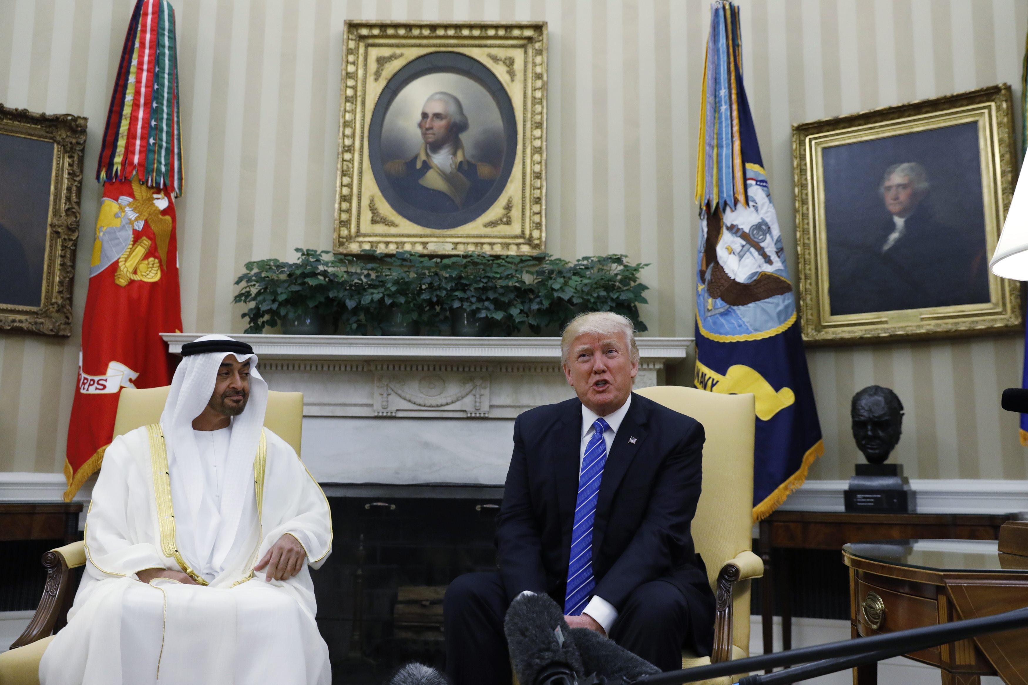 ولى عهد أبو ظبى الشيخ محمد بن زايد آل نهيان يلتقى الرئيس الامريكي دونالد ترامب في المكتب البيضاوي