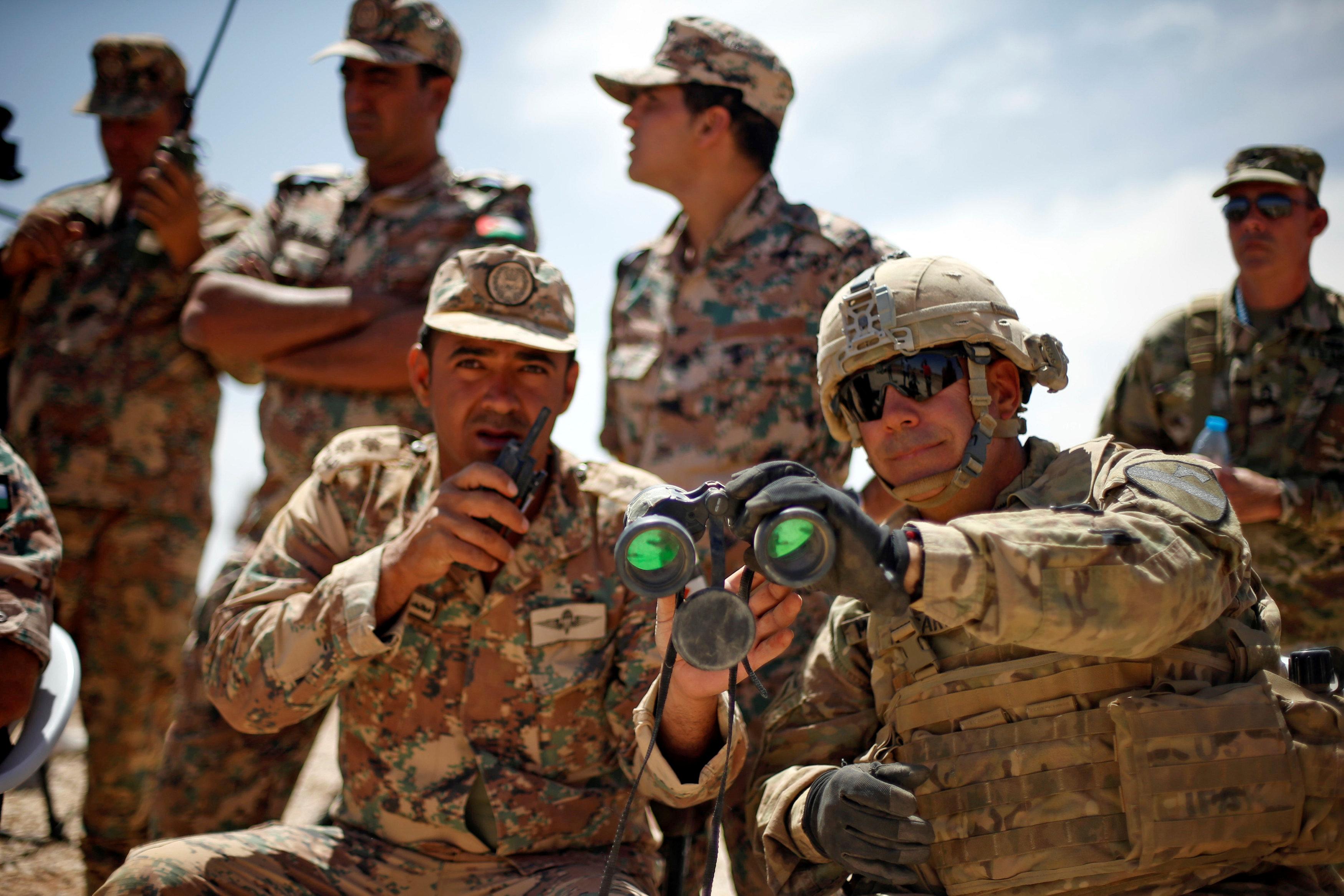 قادة الجيش الأمريكى خلال المناورات