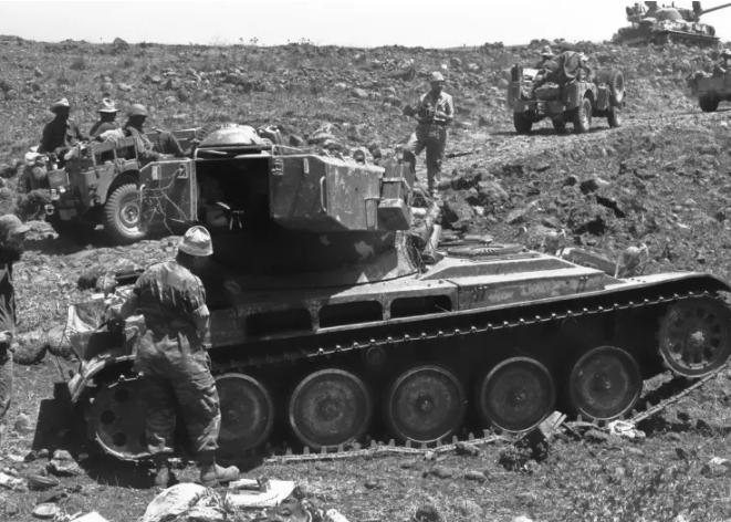 دبابة اسرائيلية خلال حرب 67