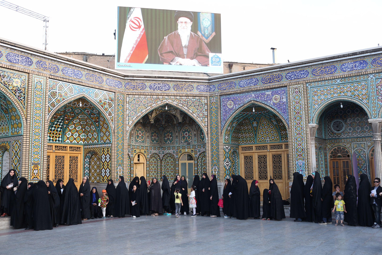 طوابير النساء في الانتخابات الرئاسية الايرانية
