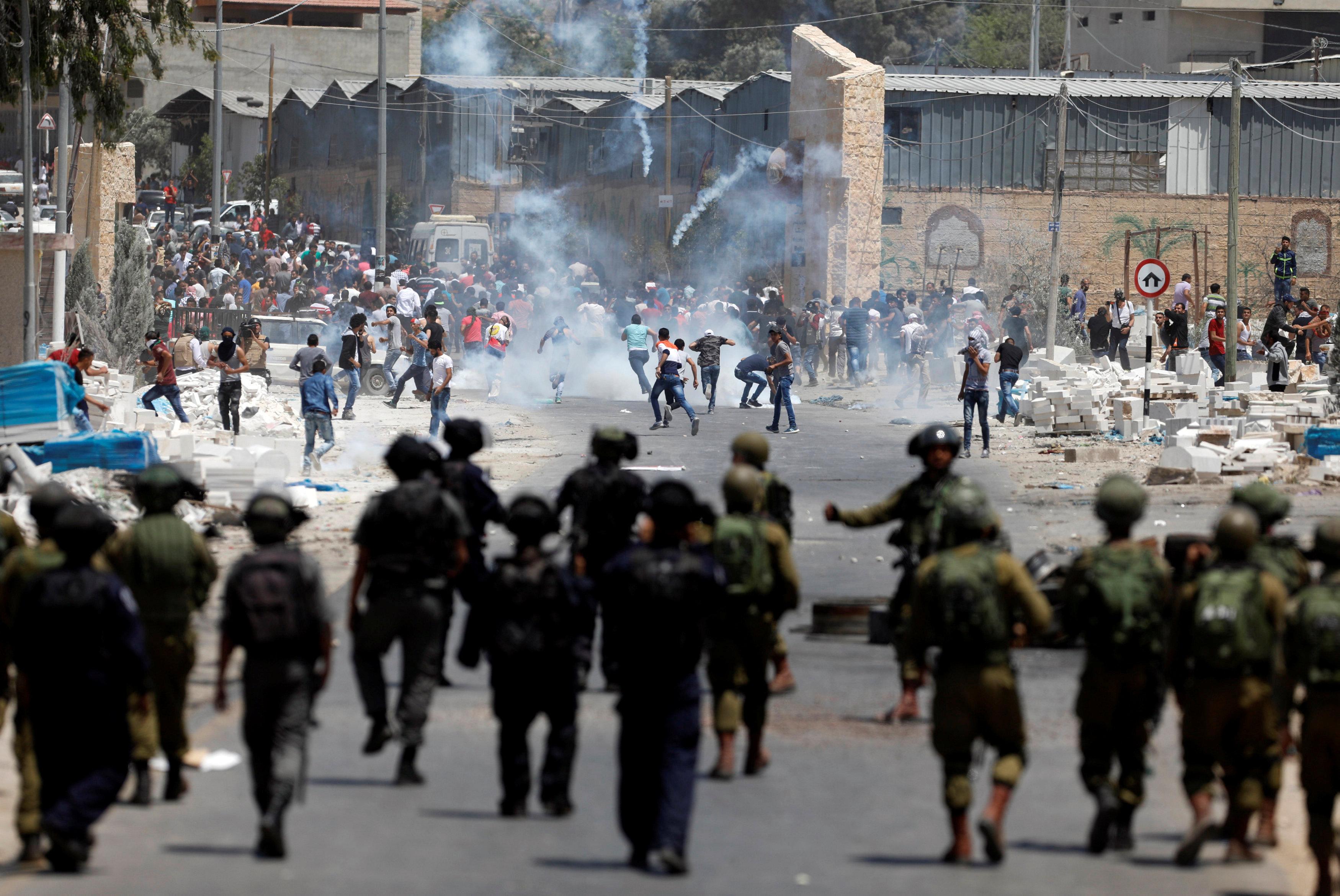 مواجهات بين قوات الاحتلال وفلسطينيين بقرية بيتا