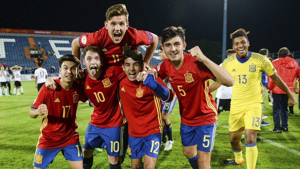 فرحة لاعبى المنتخب الاسباني