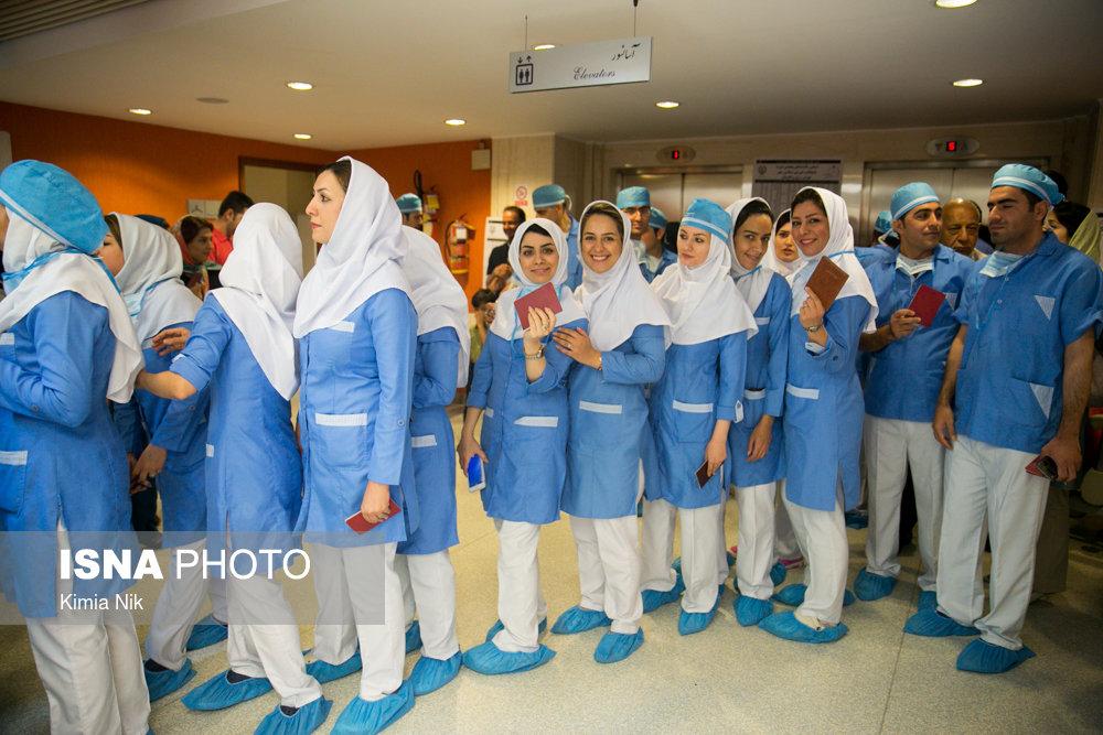 فريق تمريض بصحبة وزير الصحة