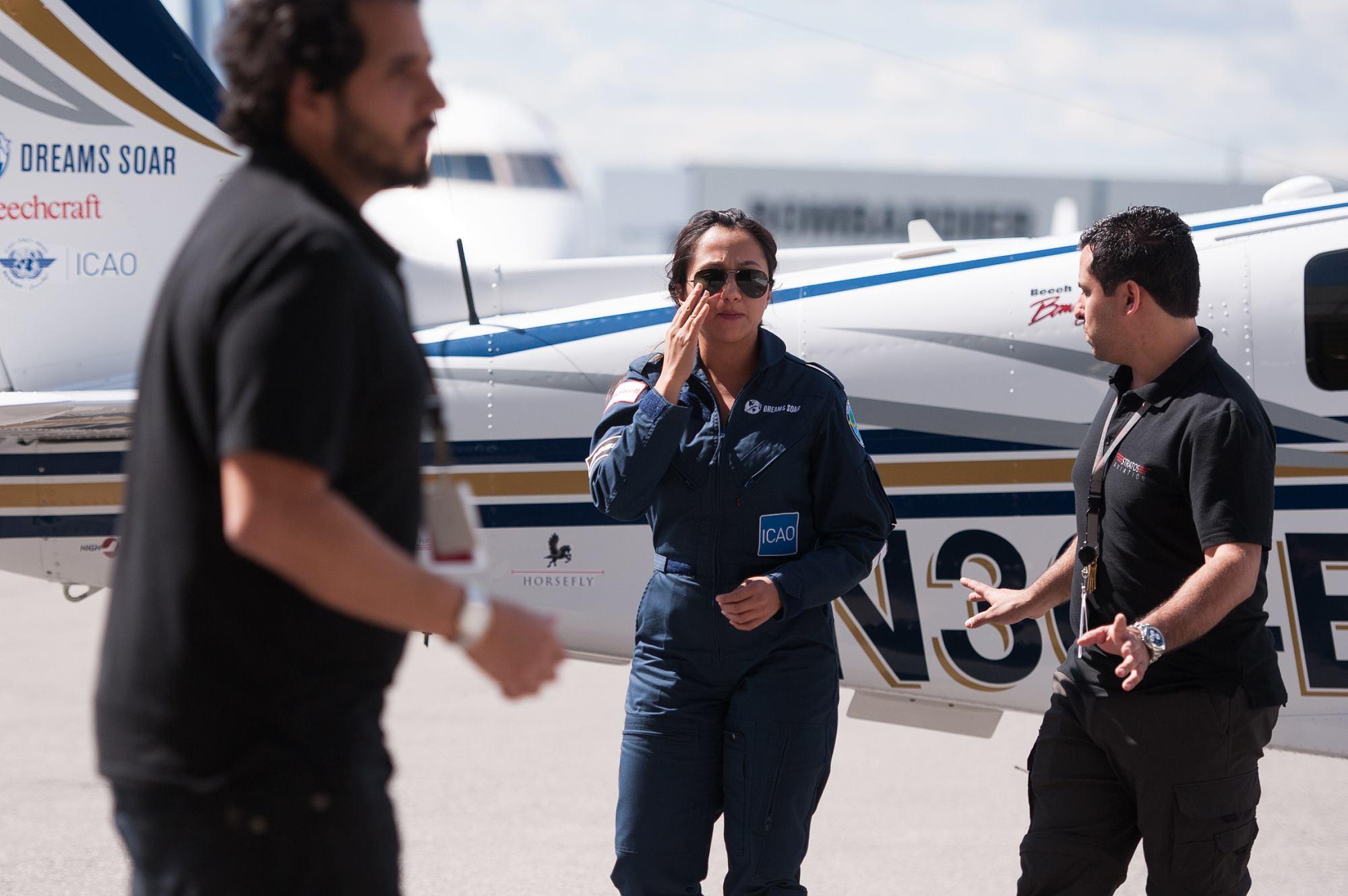 أول طيار مدنى