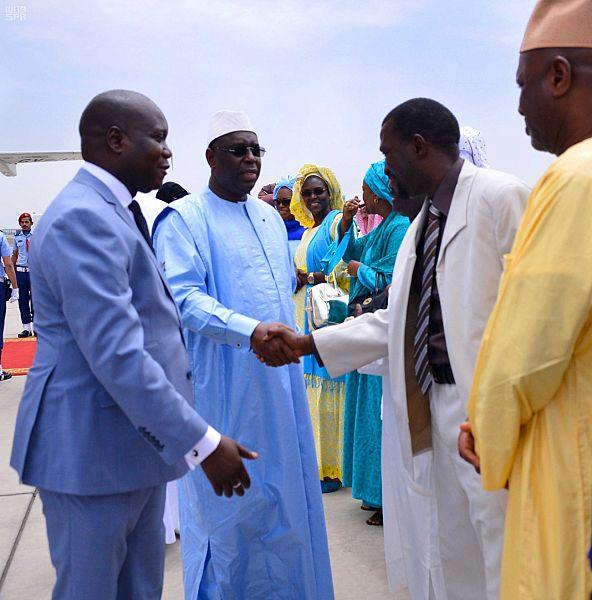 المسئولين السنغاليين فى السعودية فى استقبال رئيس بلادهم