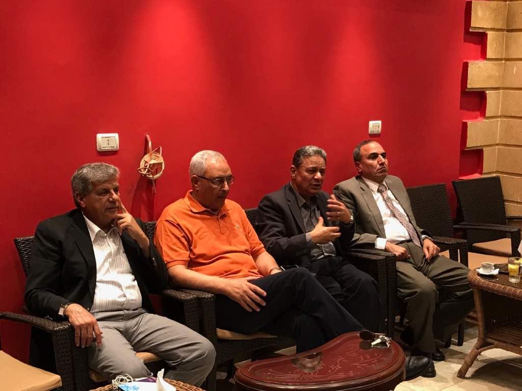 الحضور بالصالون الثقافي بحضور نقيب الصحفيين
