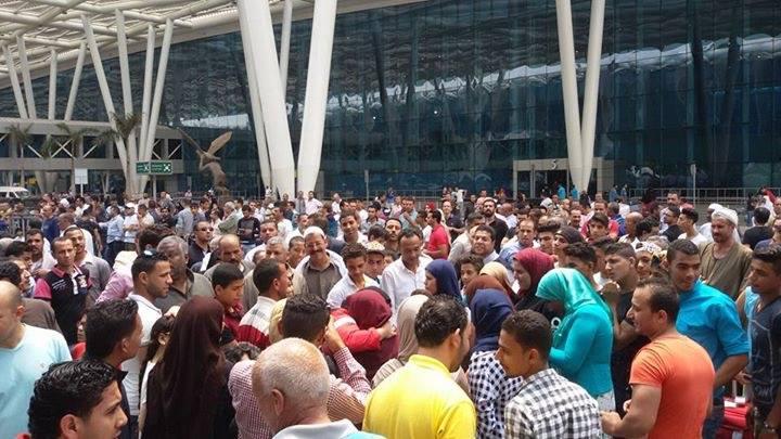 الجمهور المصرى يستقبل أبطالنا العائدين من أذربيجان