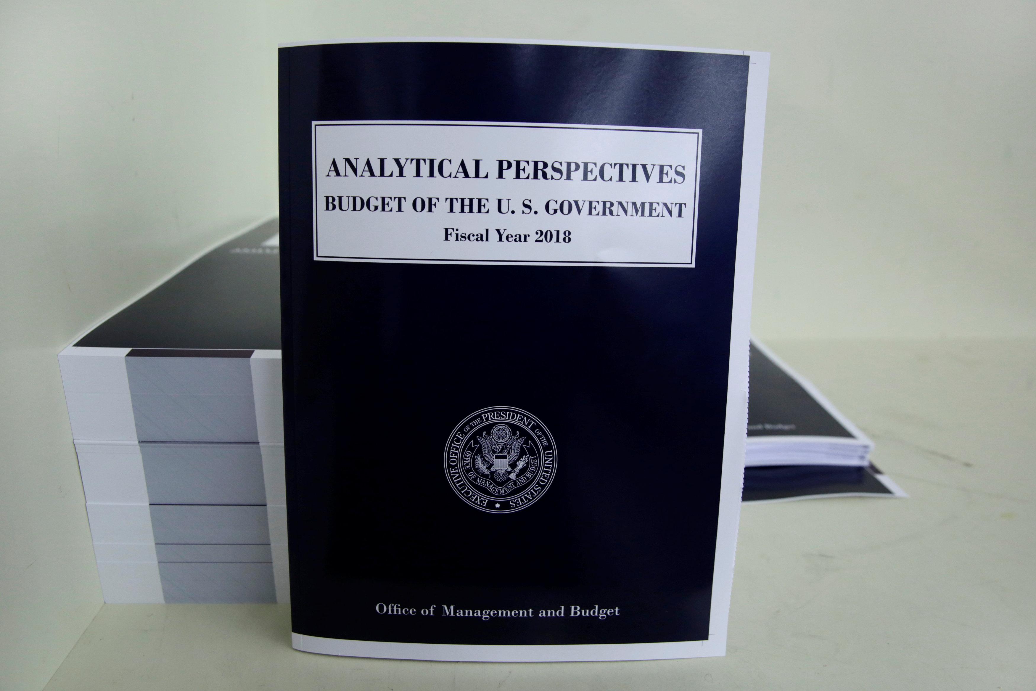 كتاب الميزانية المالية لعام 2018 لترامب