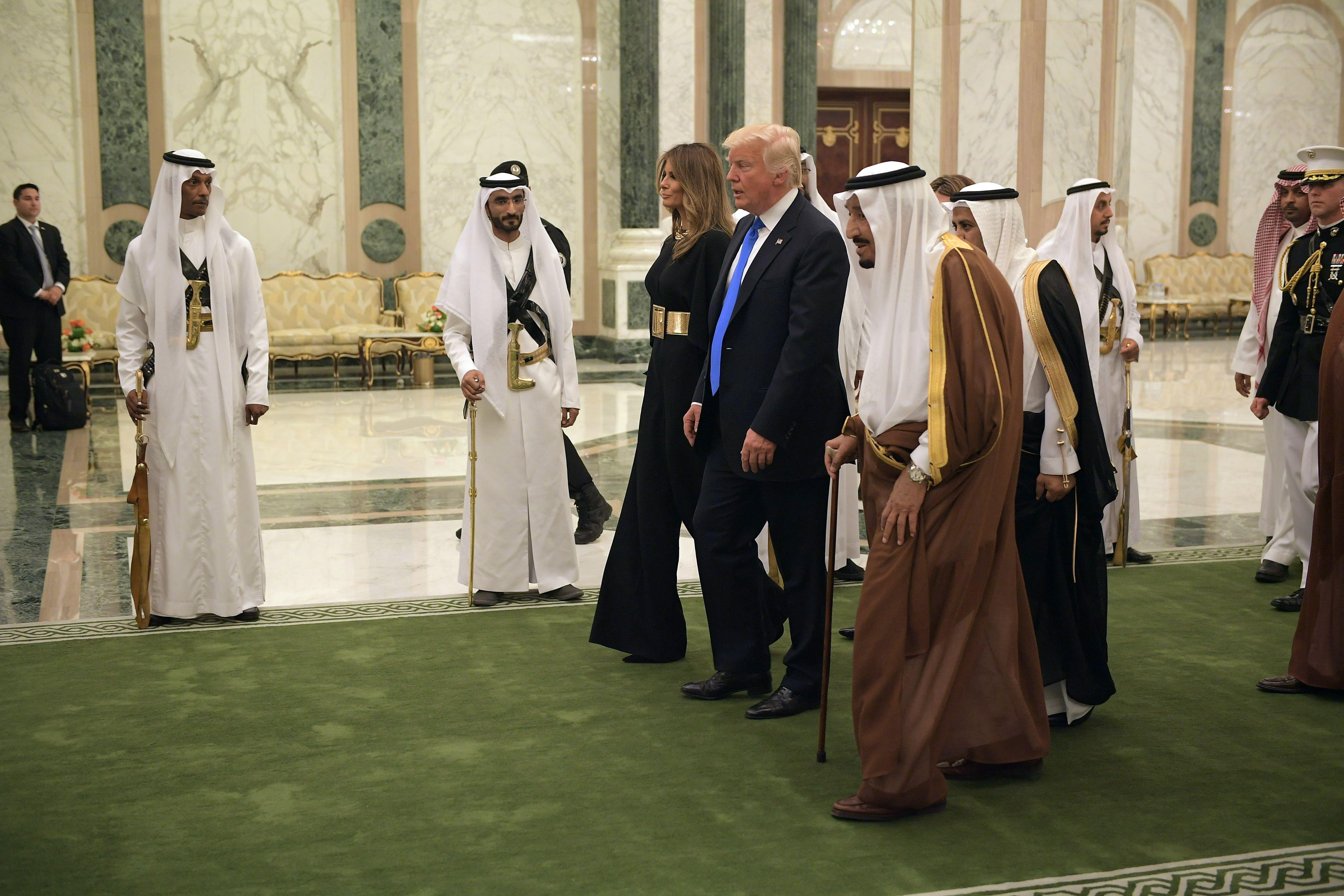 ترامب وسلمان لحظة وصول قصر اليمامة