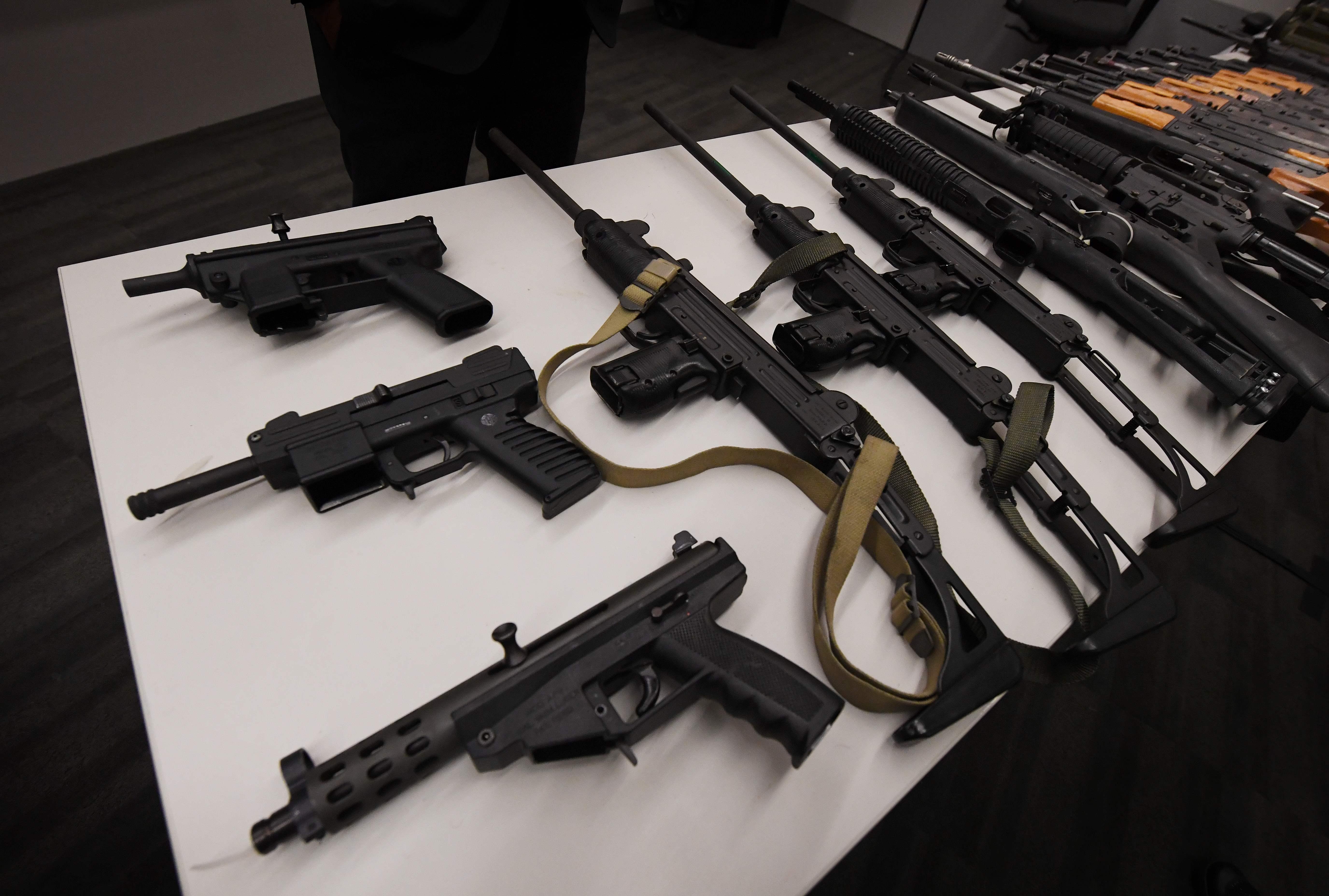 شرطة لوس أنجلوس تشترى الأسلحة من المواطنين
