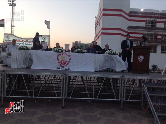 تكريم أهالى الشهداء بنادى الزمالك بحضور أعضاء بمجلس النواب (12)