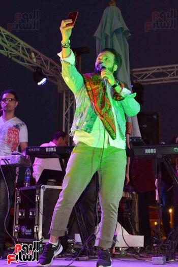 إيساف وغرام يشعلان حفل الطريق الصحراوى (4)