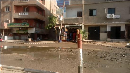 قرية طموه تغرق فى مياه الصرف (4)