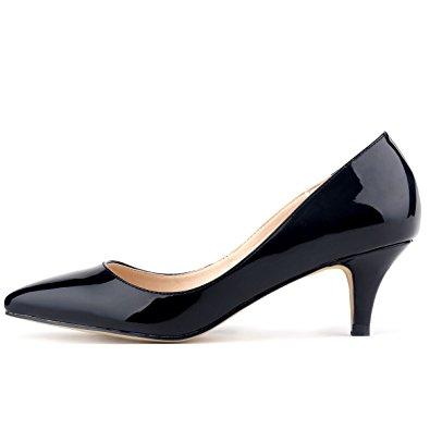 الحذاء فى 1960.