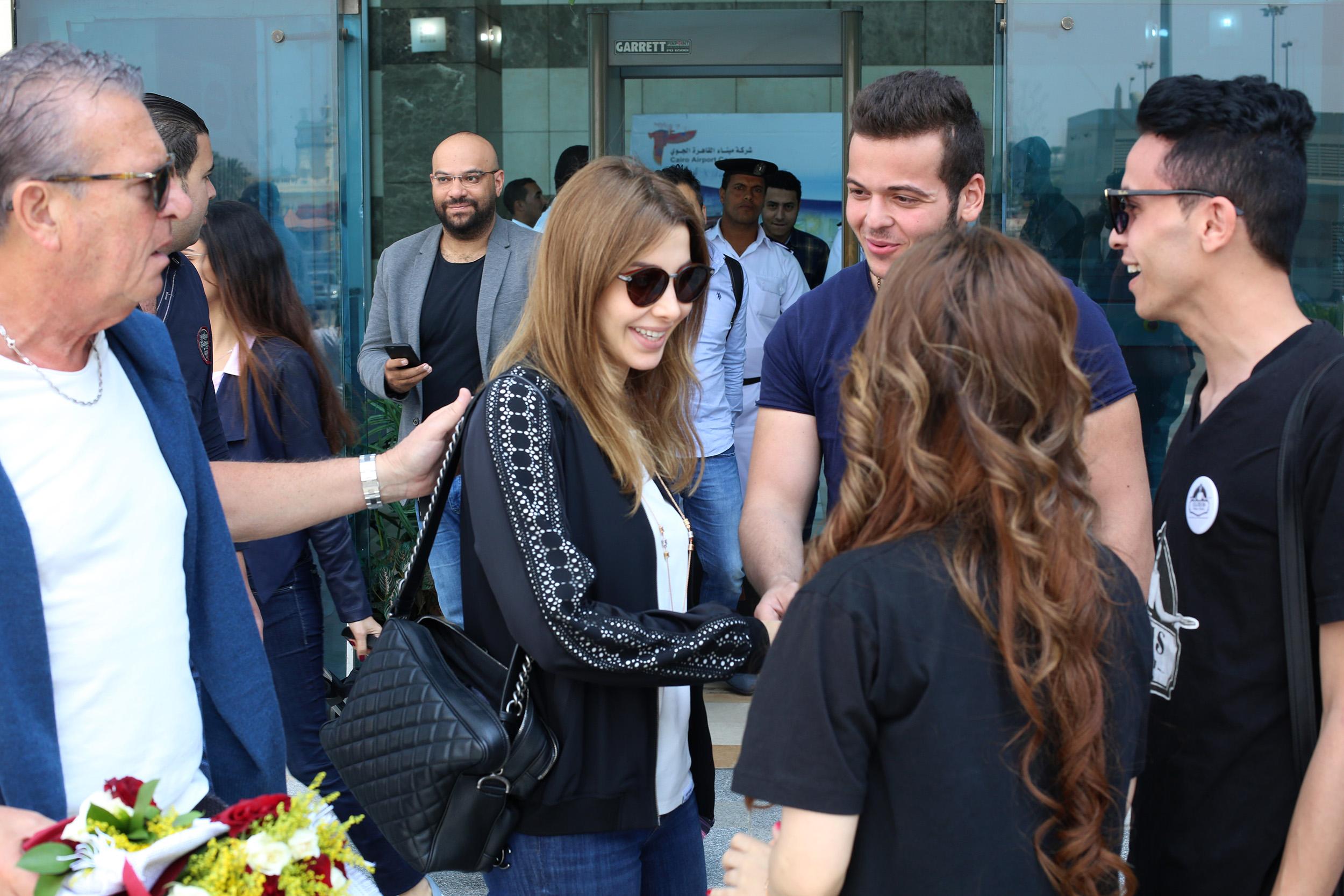 نانسى عجرم تطير من بيروت الي القاهرة لحضور مؤتمر