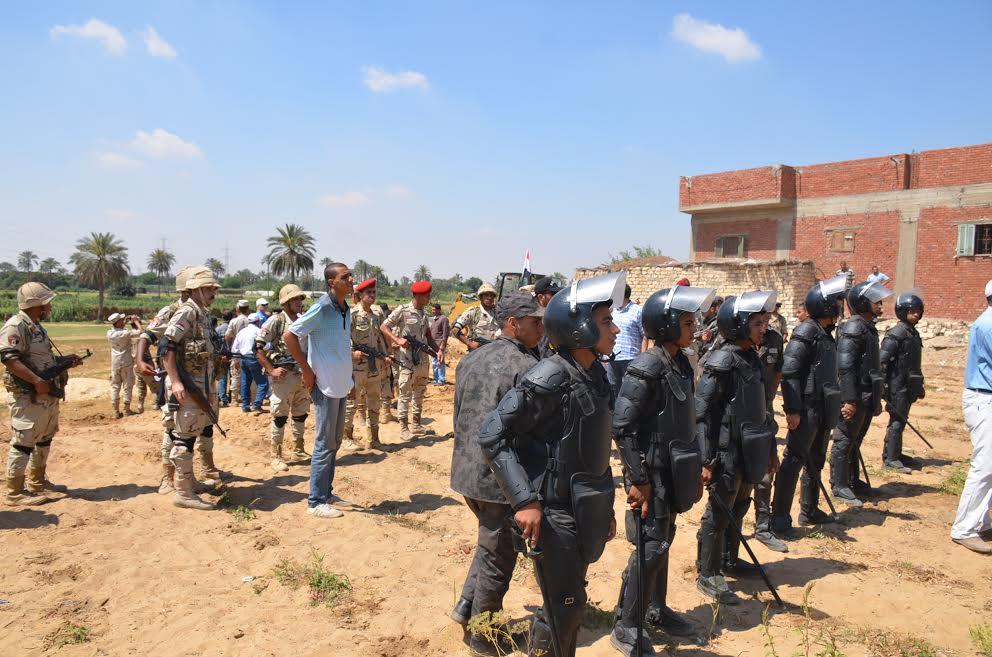 قوات الأمن أثناء الحملة