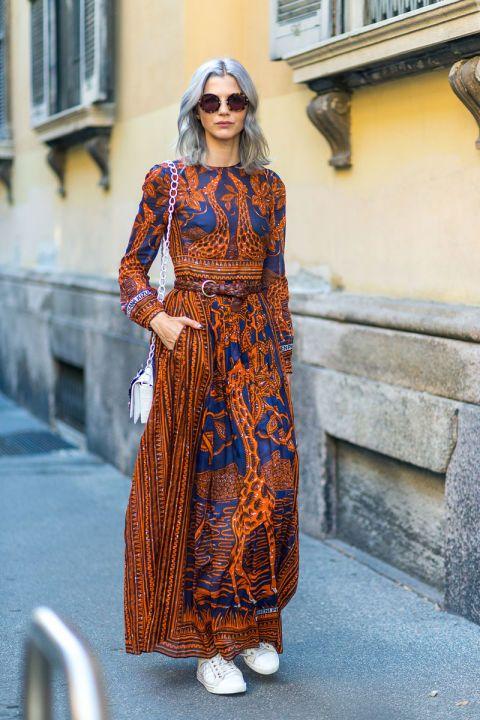 فستان طويل ذو أكمام