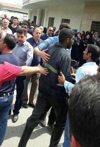 حشد للمواطنين بعد الانفجار
