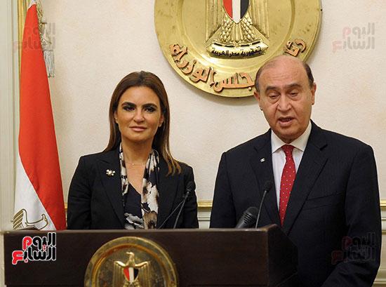 مهاب مميش وسحر نصر مؤتمر صحفى بمقر مجلس الوزراء (2)