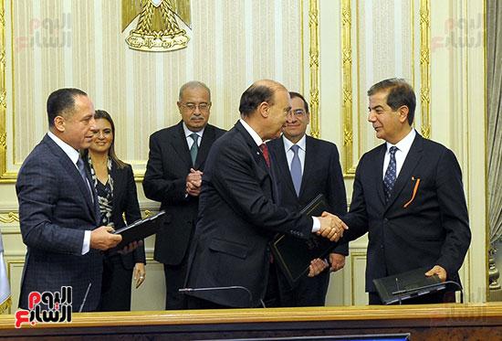 توقيع اتفاقية تسوية بين سونكر و اقتصادية قناة السويس (7)