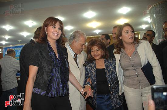 فى أحد الاحتفالات مع الفنانة نهال عنبر وجمال إسماعيل ومادلين طبر
