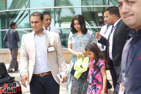 شيرين عبد الوهاب تغادر مستشفى أطفال مرضى السرطان