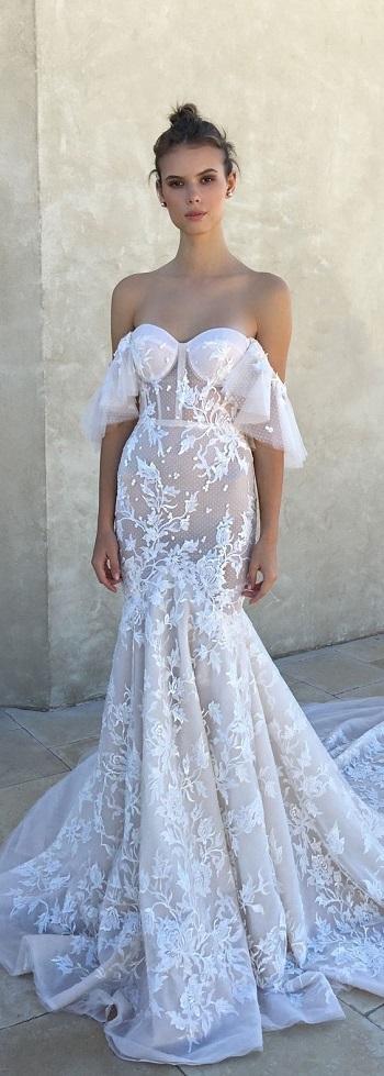 فستان زفاف بستايل أوف شولدر
