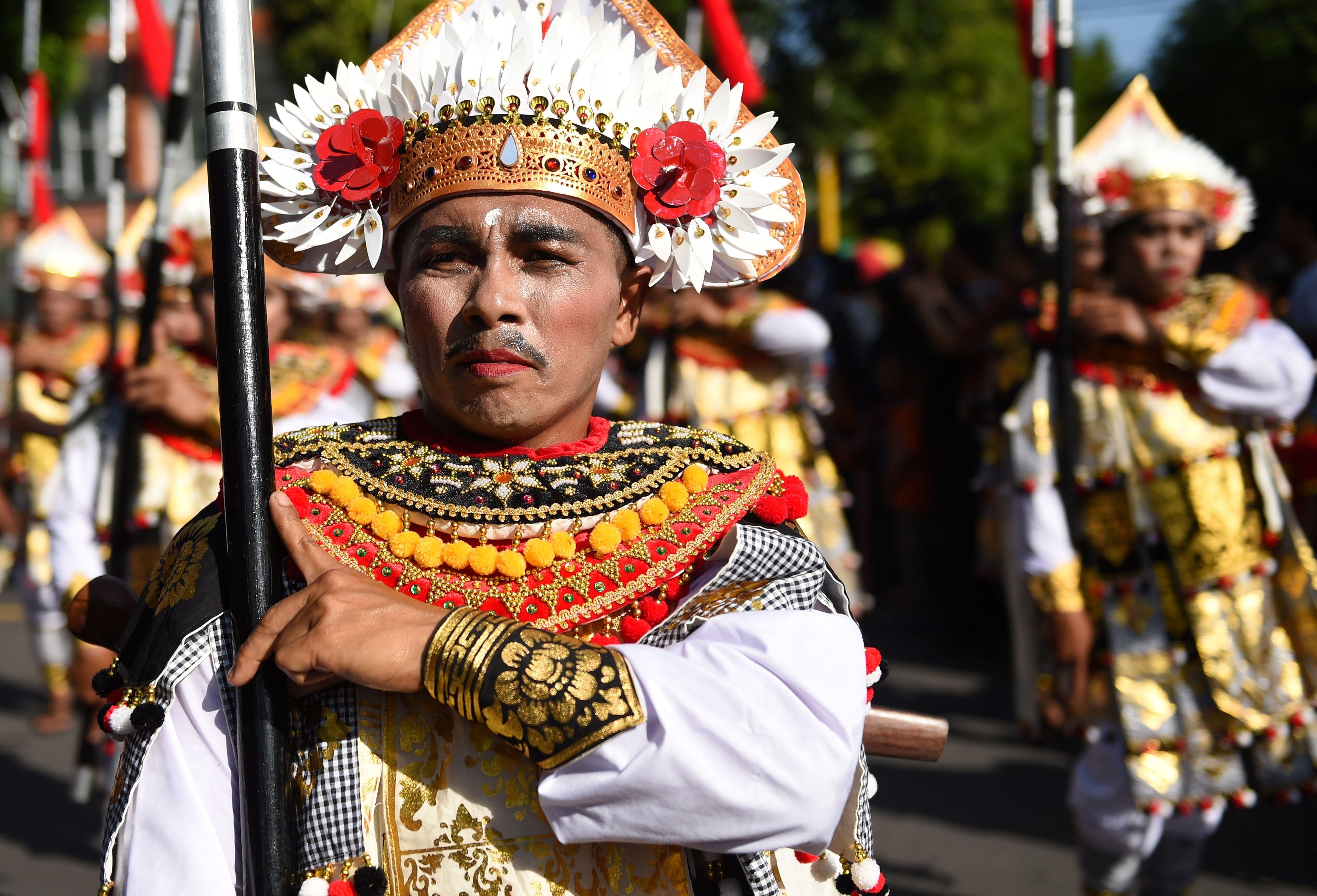 احتفالات خاصة بمهرجان بالى للفنون فى اندونيسيا