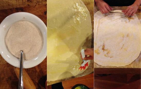 خلط السكر بالقرفة لتجهيز الحشوة ثم رشه علي العجينة