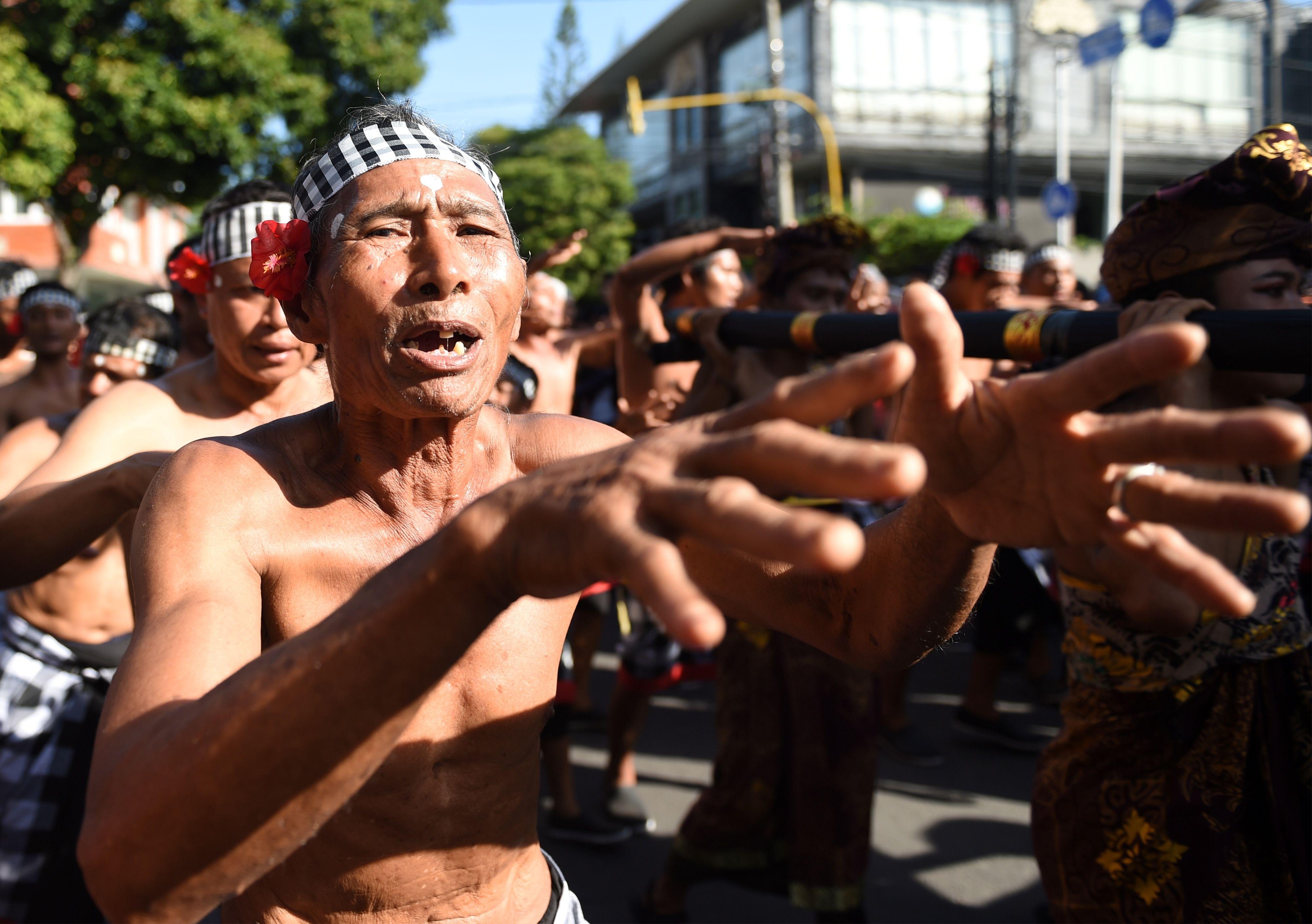 اندونيسيا تحتفل بمهرجان بالى للفنون
