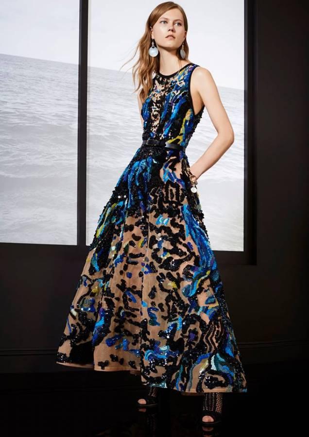 فستان طويل مشجر