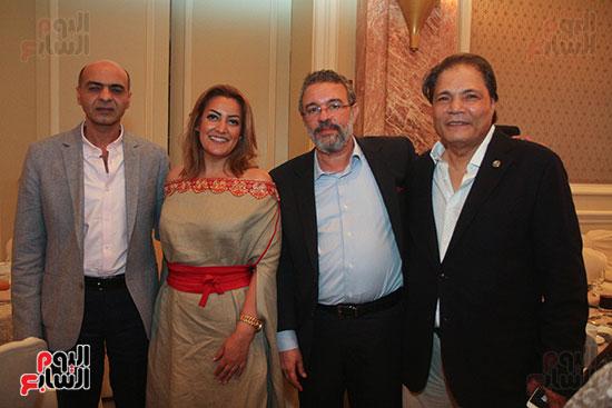 مصطفى السقا رئيس قناة ON E مع الإعلاميين بالقناة