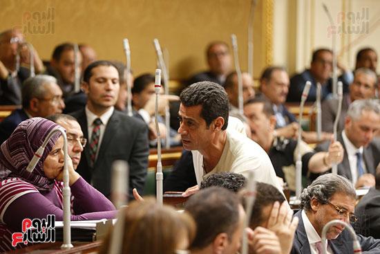 الجلسة العامة للبرلمان (9)