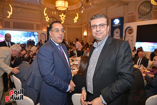الدكتور مصطفى مدبولى وزير الإسكان والإعلامى عمرو الليثى