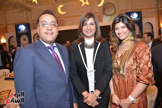 الدكتور مصطفى مدبولى وزير الإسكان والسفيرة نبيلة مكرم وزيرة المصريين فى الخارج