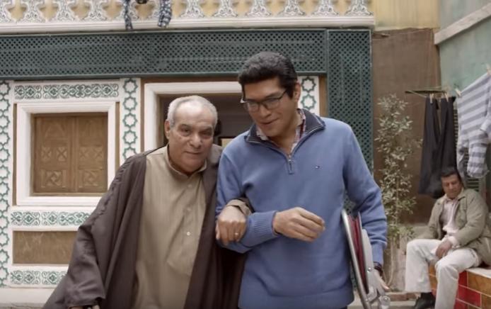 الفنان المرسي ابو العباس مع باسم السمرة في مسلسل بين السرايات