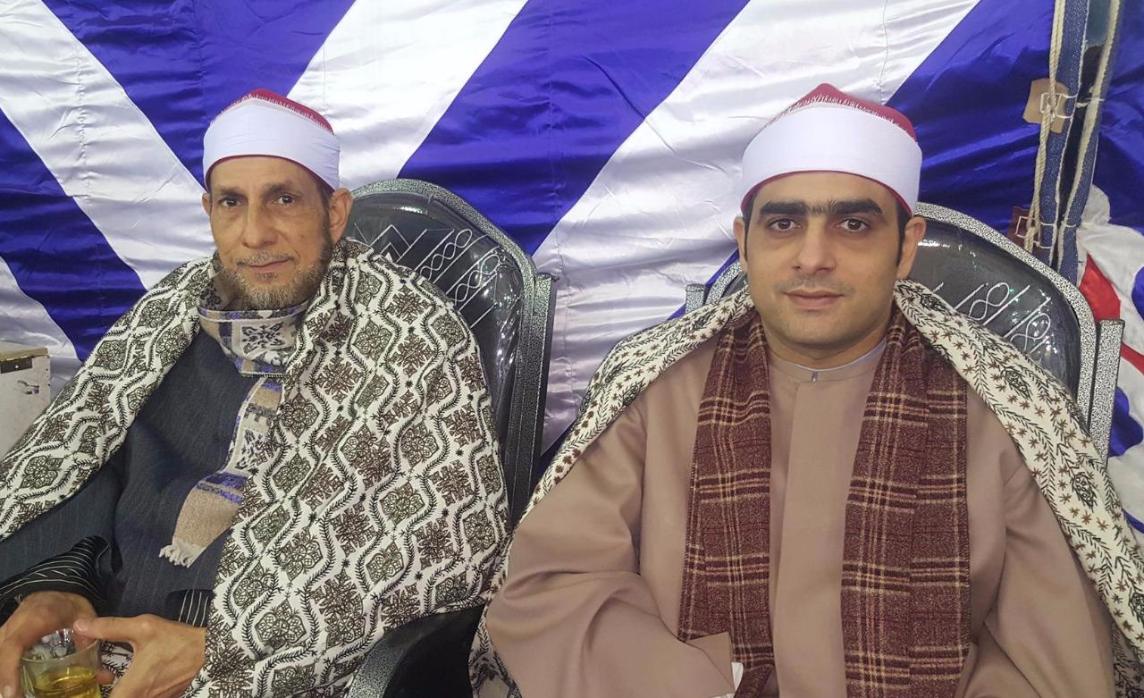 الشيخ أسامة مع والده الشيخ محمد بسيونى