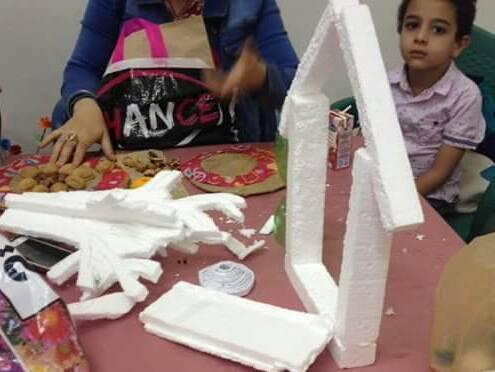 أطفال محافظة المنيا يستغلون خامات البيئة فى متحف ملوى (6)