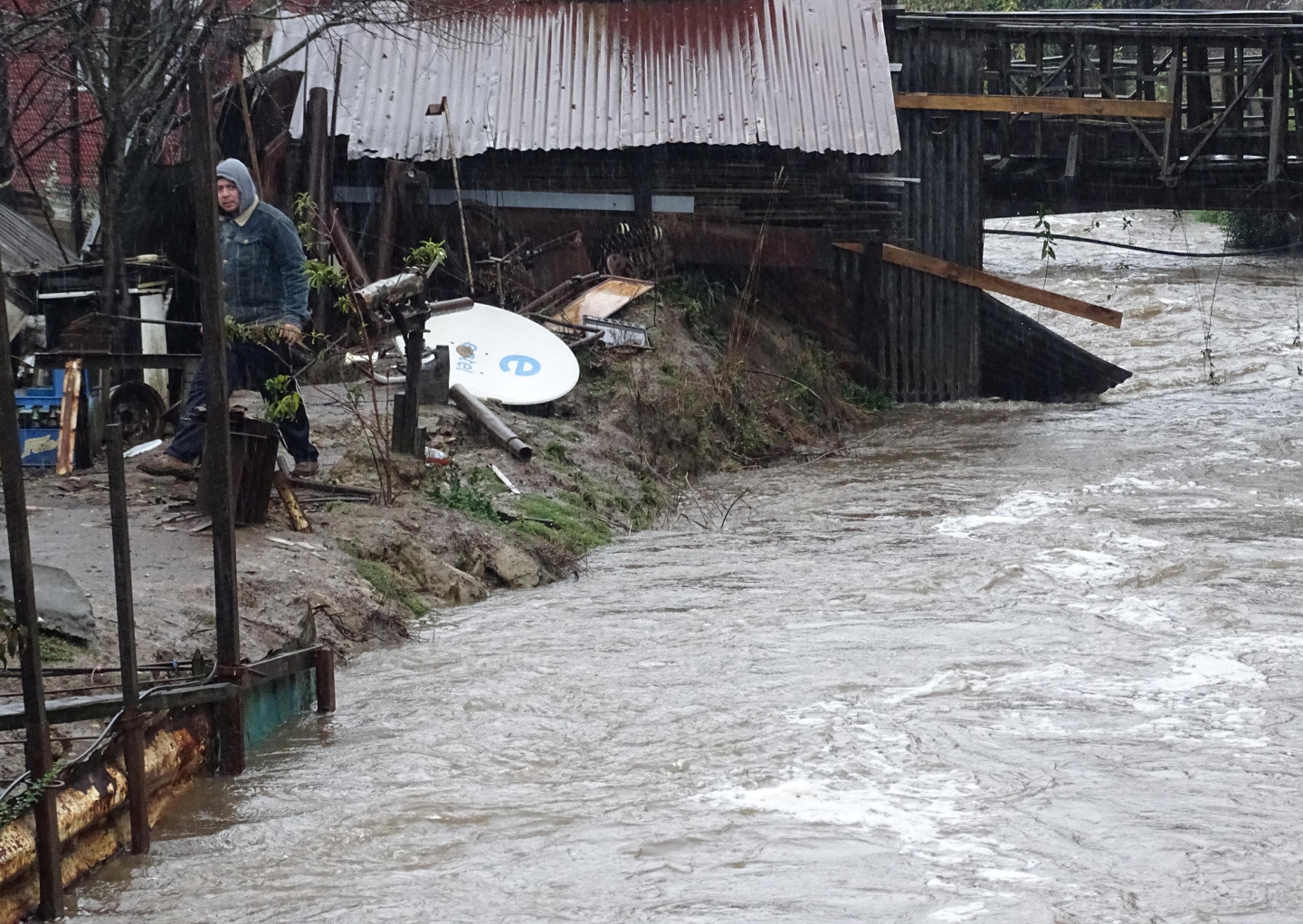 غرق شوارع تشيلى بسبب الفيضانات