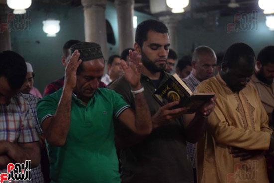صلاة التراويح بجامع الازهر (21)