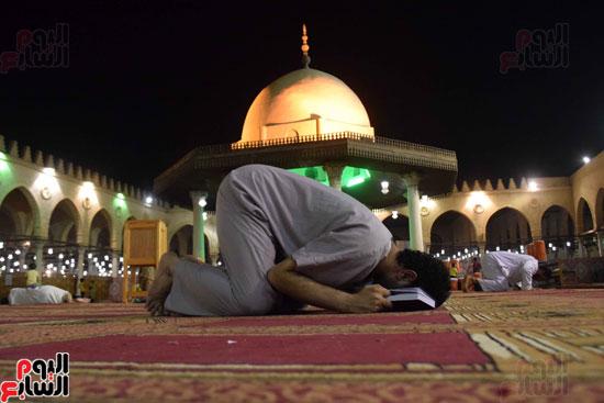 صلاة-التهجد-فى-مسجد-عمرو-بن-العاص-(9)