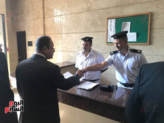 وزير الداخلية يتابع اجراءات العمل بقسم الجمالية