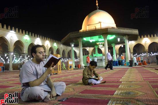 صلاة-التهجد-فى-مسجد-عمرو-بن-العاص-(16)
