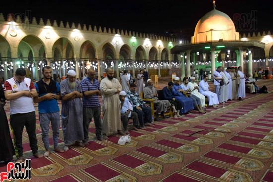 صلاة-التهجد-فى-مسجد-عمرو-بن-العاص-(8)