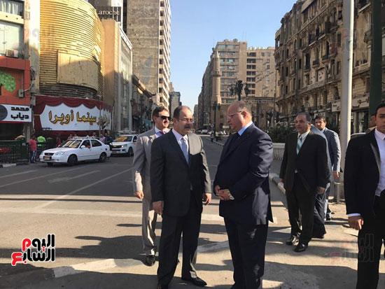 وزير الداخلية يناقش مدير امن القاهرة حول اجراءات تامين الشوارع والميادين