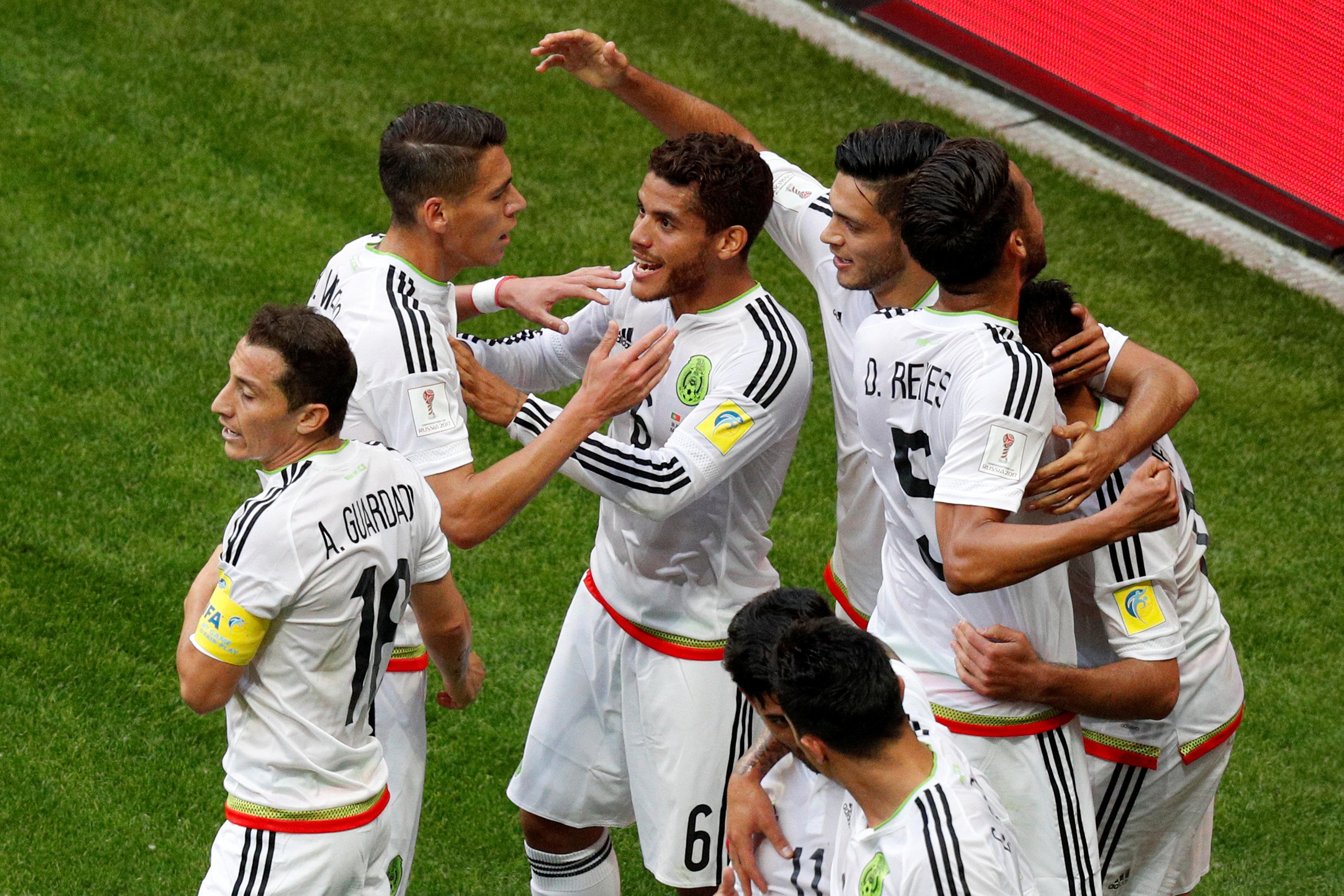 احتفال المنتخب المكسيكى