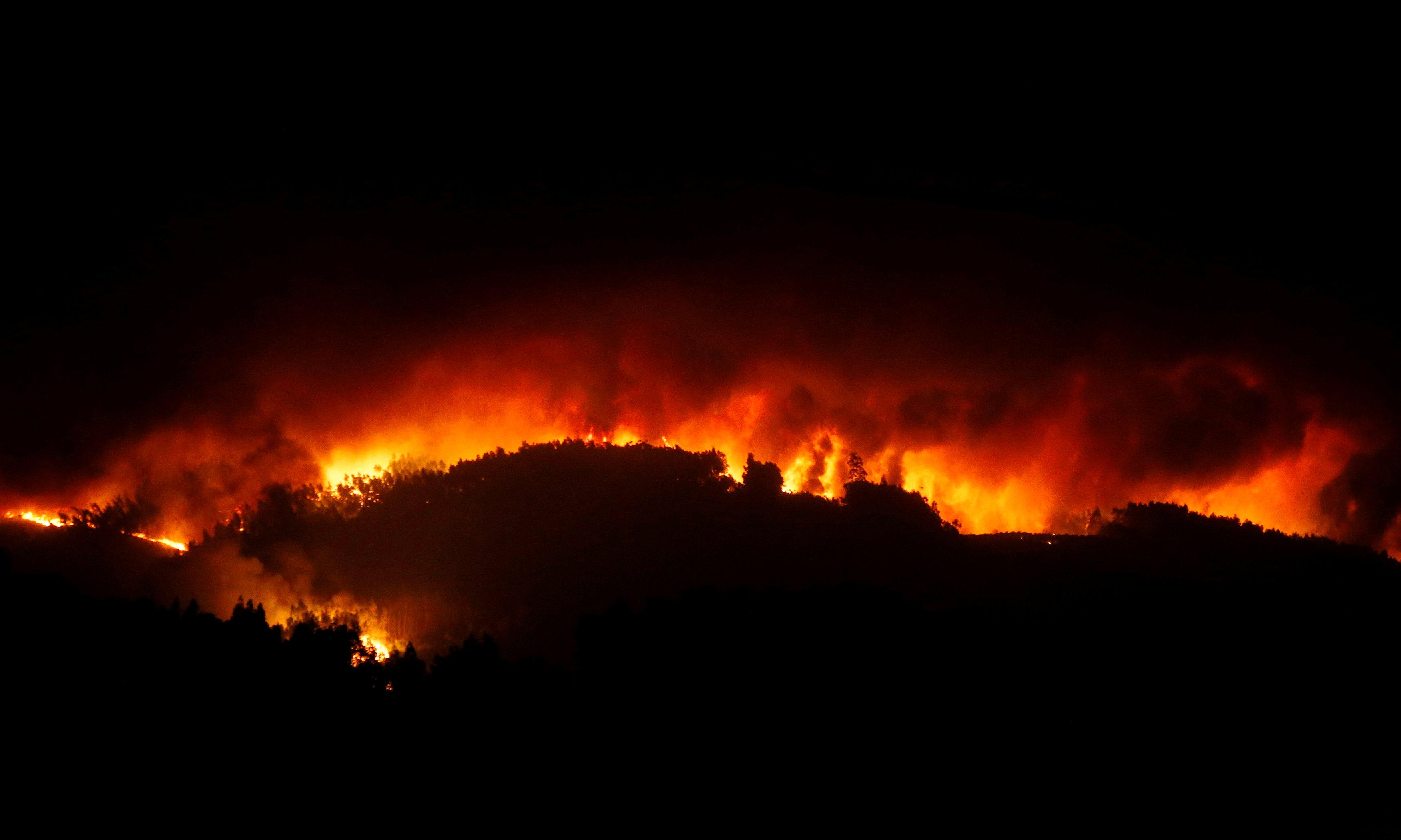جانب من حرائق البرتغال وعدم التمكن من السيطرة عليها