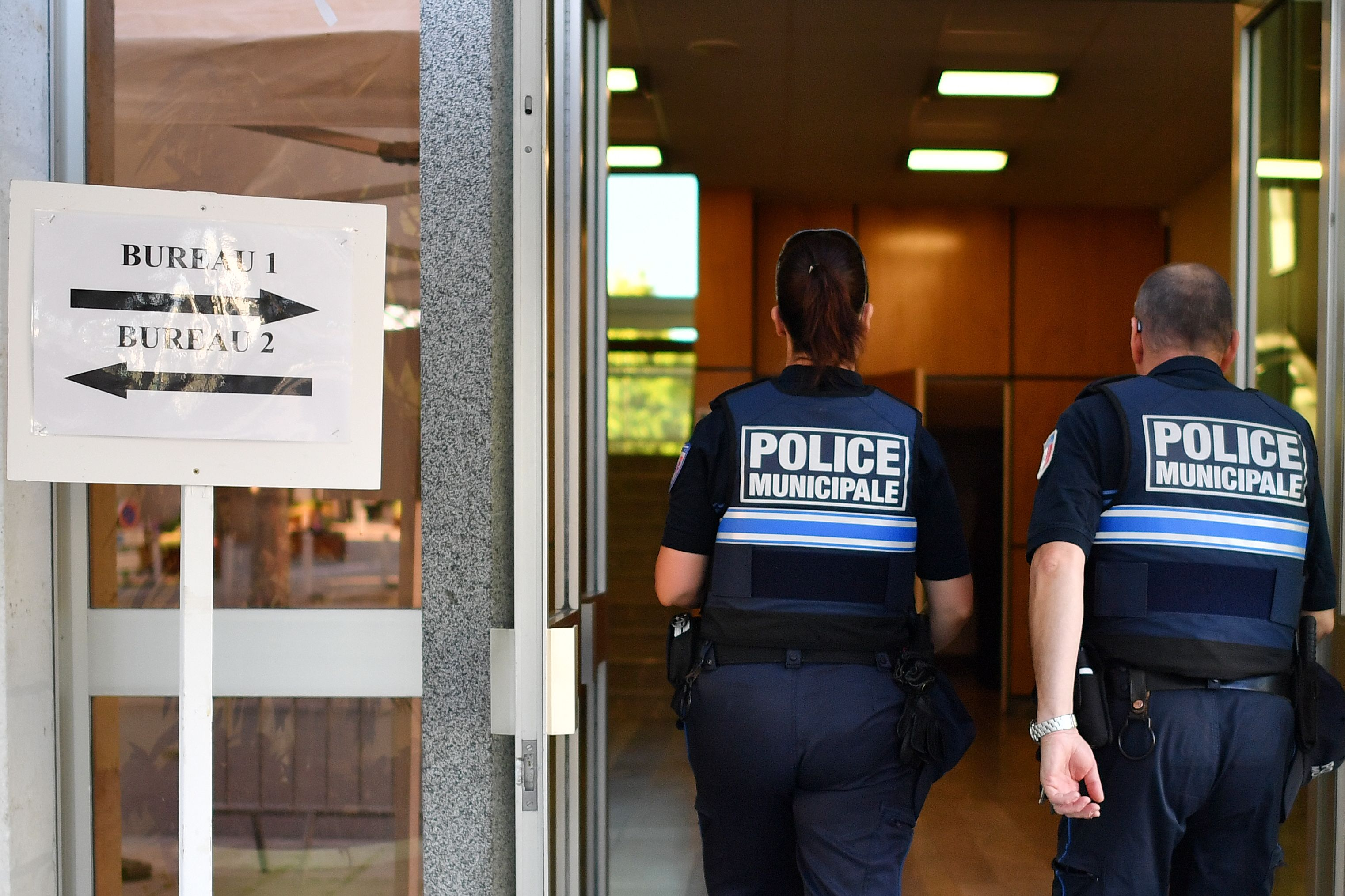 الشرطة تؤمن الانتخابات التشريعية الفرنسية