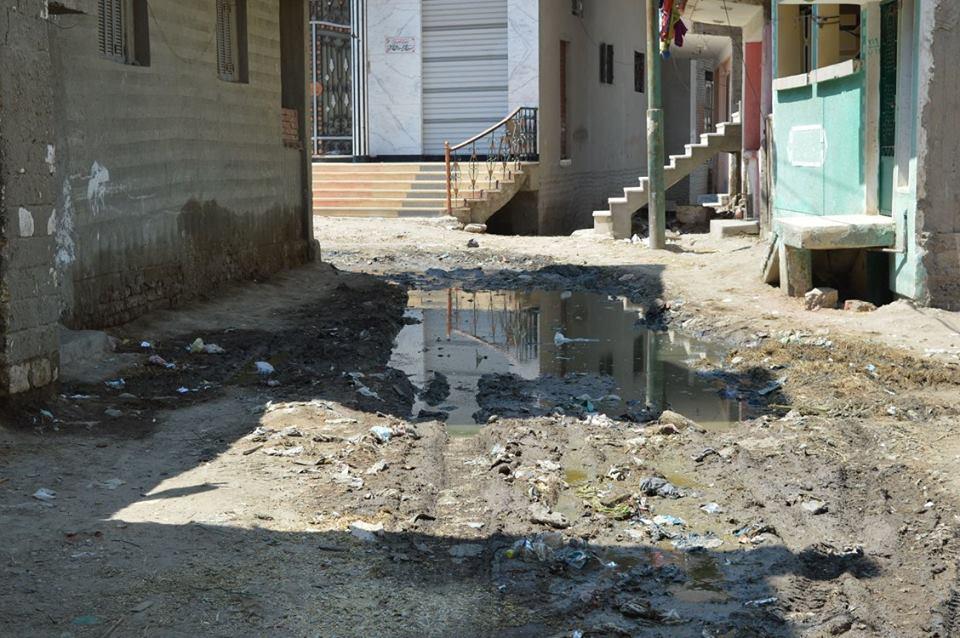 5- مياه الصرف بالشوارع
