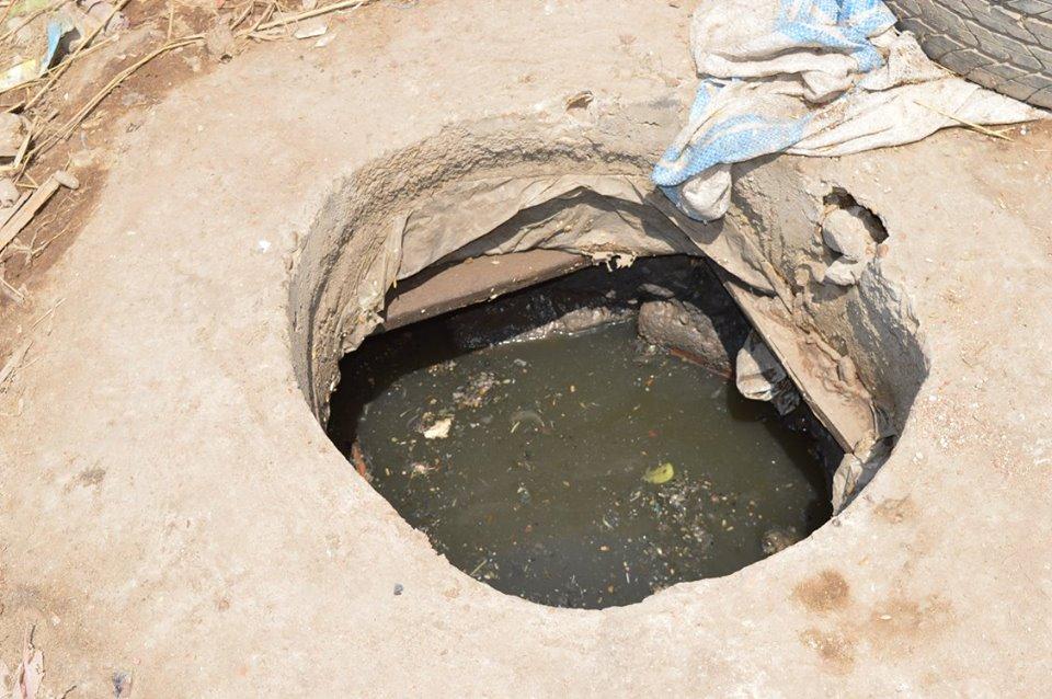 3- محاولات لتسليك بيارات الصرف